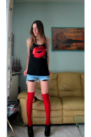 red Calzedonia socks - light blue Boosley shorts - black Zara heels