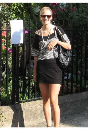 H&M skirt - Topshop t-shirt - vintage necklace