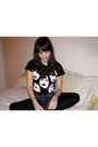 Charcoal-gray-forever-21-boots-black-leggings-black-new-york-dolls-shirt