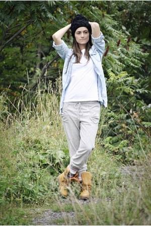 tawny COUGAR boots - black Ardene hat - light blue denim Zara shirt