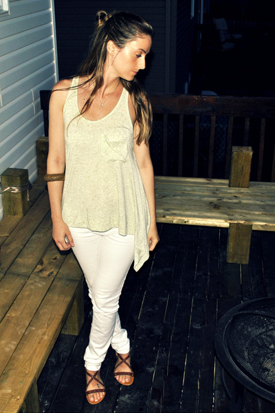 green urban behavior top - white Sirens jeans - brown Ardene shoes - brown Arden