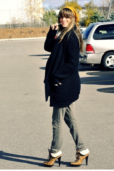 yellow Ardene hat - black urban behavior cardigan - black H&M sweater - green To