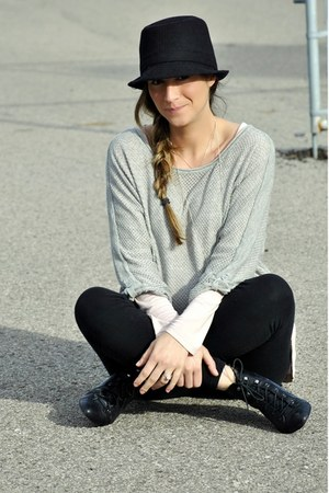 black Ardene hat - heather gray H&amp;M sweater - light pink H&amp;M top - black H&amp;M leg