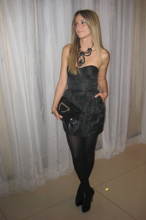 H&amp;M dress - Ardene stockings - Aldo shoes - Aldo Accessories necklace - supplier