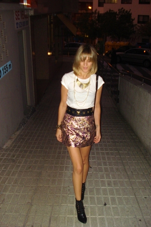 old t-shirt - H&M belt - H&M skirt - vintage necklace