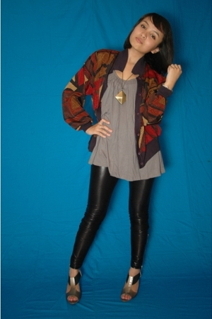 jacket - forever 21 top - Zara leggings - Charles &amp; Keith shoes