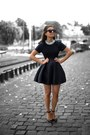 Black-classic-dress-silver-accessorize-necklace-black-sandals
