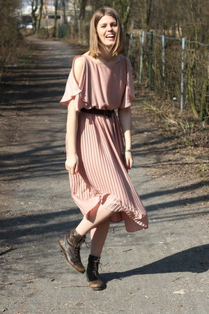 light pink H&M dress - dark brown Grtz17 boots - dark brown H&M belt