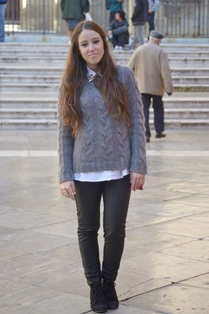Sfera jumper - Zara boots - H&amp;M pants