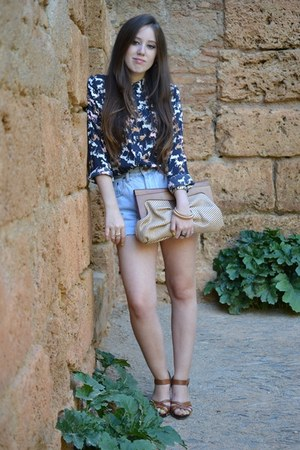 H&M sandals - Mercadillo bag - vintage shorts - H&M blouse