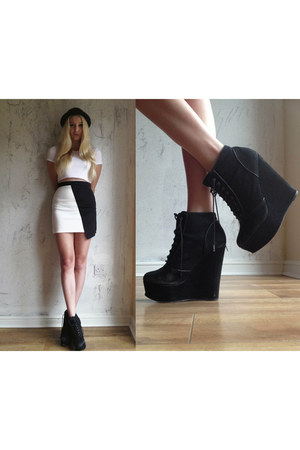 Missguided skirt - Kurt Geiger boots - Missguided t-shirt