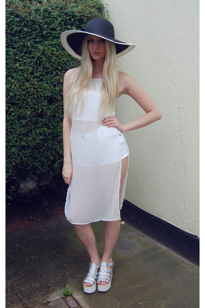 Missguided top - Ikrush shoes - Reiss hat - asos shorts