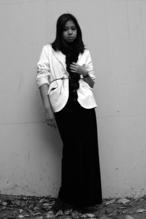 black vintage skirt - white Label blazer - black vintage scarf - black tiffanys