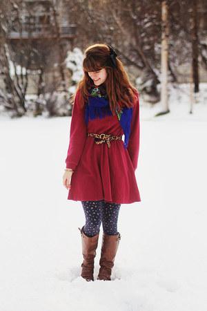 dark brown boots - brick red sweatshirt dress - navy floral leggings