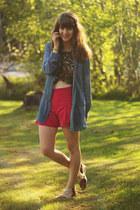 navy denim shirt - tawny zebra print shirt - hot pink shorts
