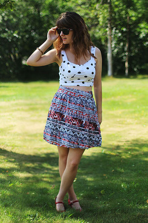 white polka dot shirt - navy patterned skirt - red heels