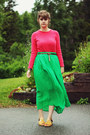 Hot-pink-shirt-chartreuse-skirt-dark-brown-belt-yellow-sandals