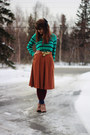Coral-boots-green-striped-shirt-brick-red-tights-deep-purple-star-socks