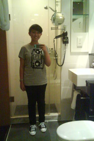 gray H&M shirt - black Lee jeans - black Converse shoes