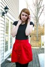 Black-f21-shirt-red-f21-skirt-black-f21-stockings