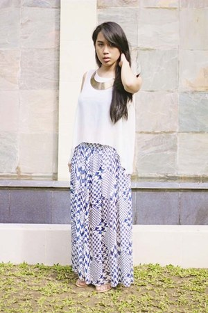 blue skirt - gold Infinite Avenue necklace - white Frou Frou Manila top