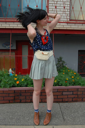 Forever 21 blouse - vintage skirt - vintage shoes - YarnOverMovement accessories