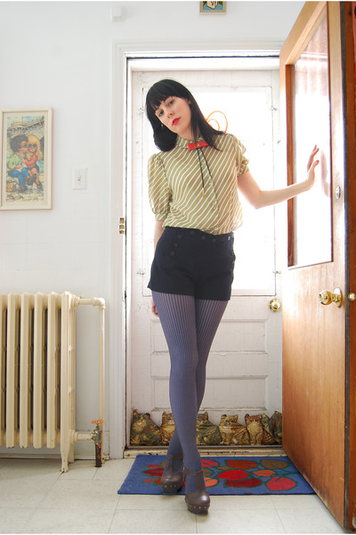 Urban Outfitters tights - Forever 21 shorts - norwegian wood necklace - vintage