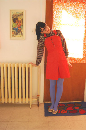 vintage jumper - vintage blouse - HUE tights - vintage shoes