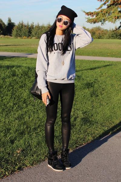 black Forever 21 leggings - heather gray La Notte sweater - black Zara bag