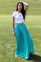turquoise blue Zara skirt - white brandy melville top - gold Hotttshit necklace