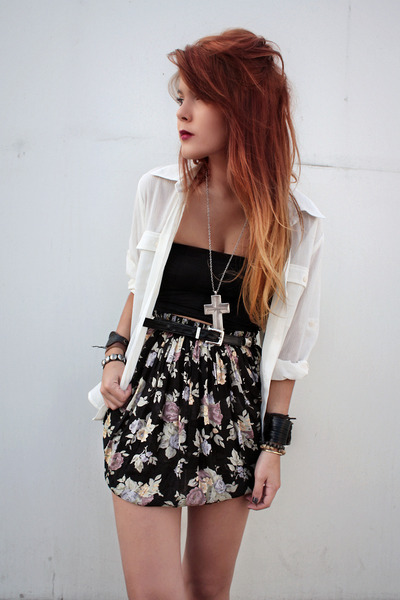 black vintage skirt - silver Forever 21 necklace