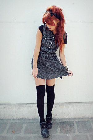 black vintage dress - black vintage pumps