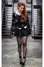 Black-she-inside-jumper