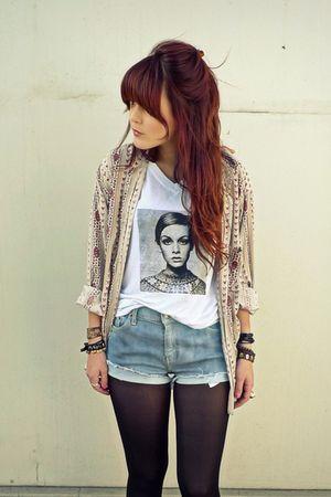 black tights - beige vintage floral shirt - blue bleached levis shorts