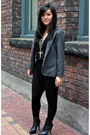 Black-wilfred-top-black-community-pants-gray-silencenoise-blazer-black-zar