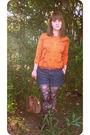 Orange-vintage-silk-sweater-blue-gap-shorts-orange-vintage-belt-brown-bets