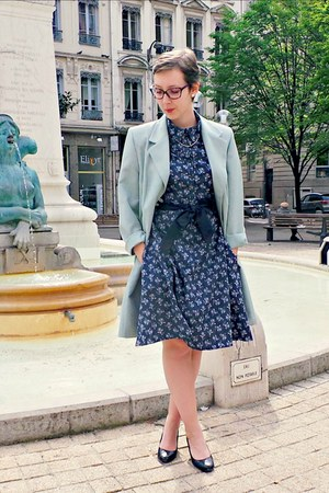 light blue vintage coat - navy H&M dress - black La Botterie heels