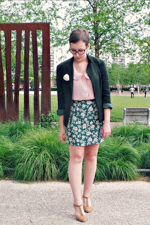 dark green vintage blazer - light pink vintage shirt - dark green vintage skirt