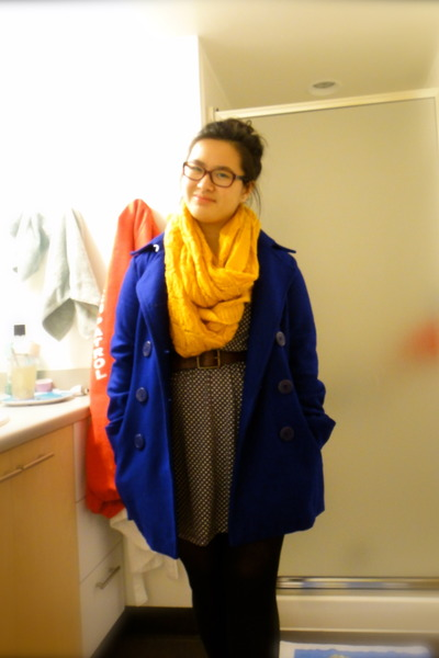 Delias coat - H&M scarf