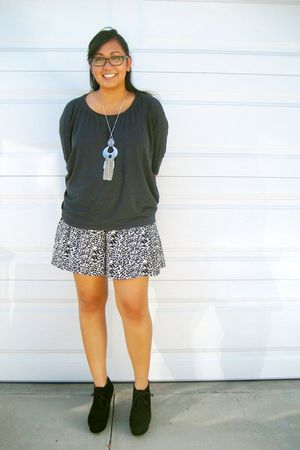 gray Forever 21 shirt - black ecote shorts - black Forever 21 shoes - silver For