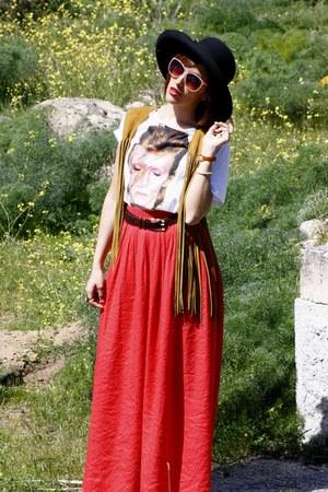 Fun & Basics hat - vintage vest - vintage belt - Zara skirt - Ziggy Stardust t-s