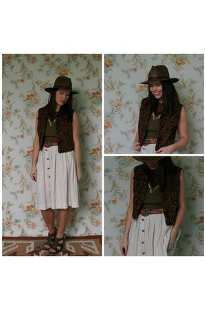 dark brown Libby Story hat - dark brown léopard vest Libby Story vest