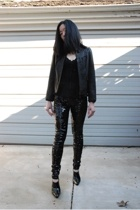 Express leggings - Doma jacket - Etincelle top - Tahari boots