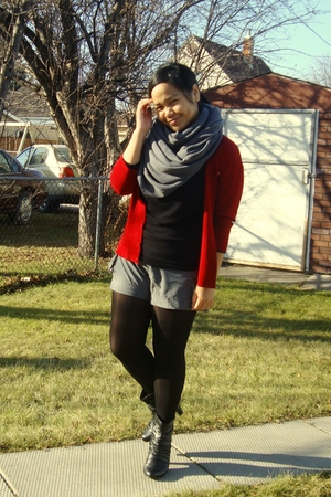 Divi - American Apparel scarf - Sirens top - Divi shorts - payless tights - Sire