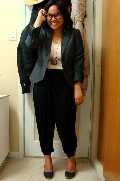 Dynamite blazer - Divi top - Divi necklace - Divi pants - Celine shoes