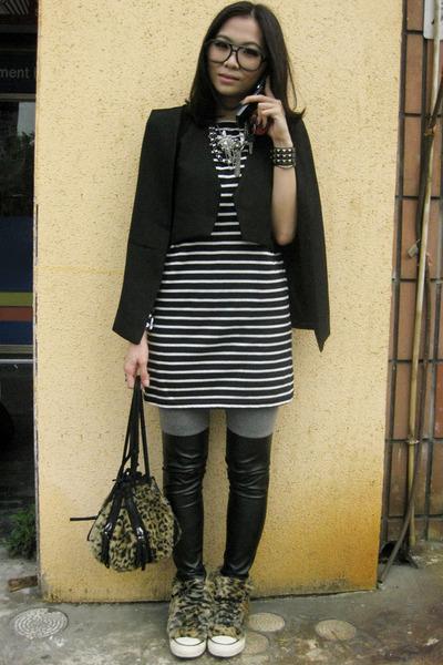 black capevest cape - black stripy dress dress - heather gray leggings