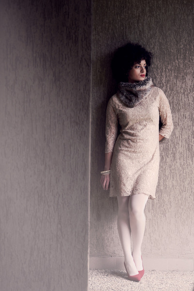 beige lace La Redoute dress - white Calzedonia tights