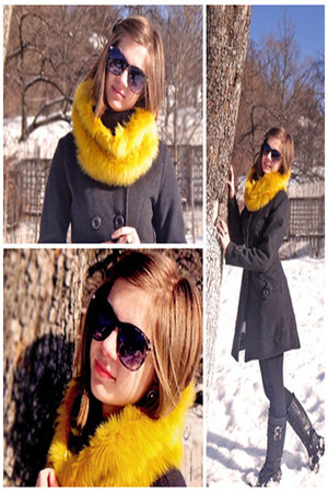 mustard fur Orsay scarf - black Forever 21 boots - black H&M sunglasses
