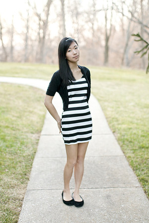 cotton B&W Striped Dress dress - suede ballet flats flats - cardigan cardigan