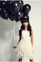 white GINA TRICOT dress